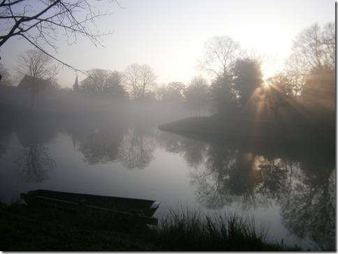 dolhuys in mist