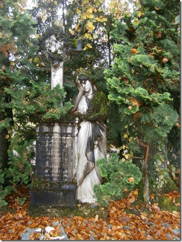 standbeeld kerkhof